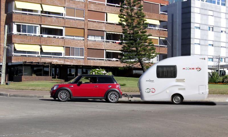 Wingamm rookie 3 5 mini caravan roulotte con carrozzeria for Monoscocca in vetroresina