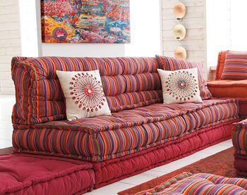 grands coussins matelass s capitonn s ray s id es pour la maison pinterest id es pour la. Black Bedroom Furniture Sets. Home Design Ideas