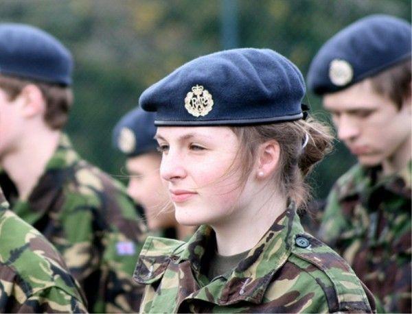 Soldado mulher.