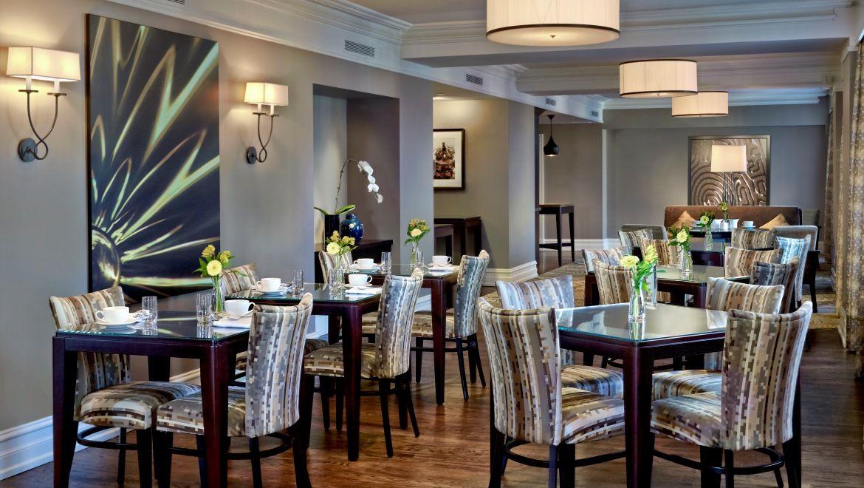 Luxury Breakfast Bars Toronto Hotels Club Lounge At The Omni King Edward