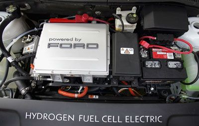 The Engine Of A Ford Hydrogen Fuel Cell Electric Car Auto Was On Display At 2005 National Ociation S Conference