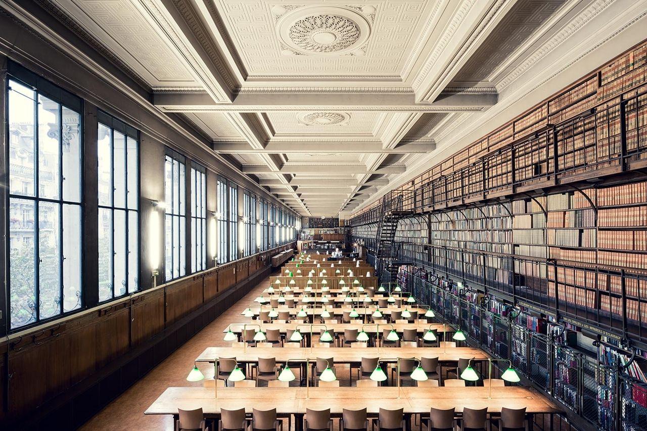 Картинка первой библиотеки в мире