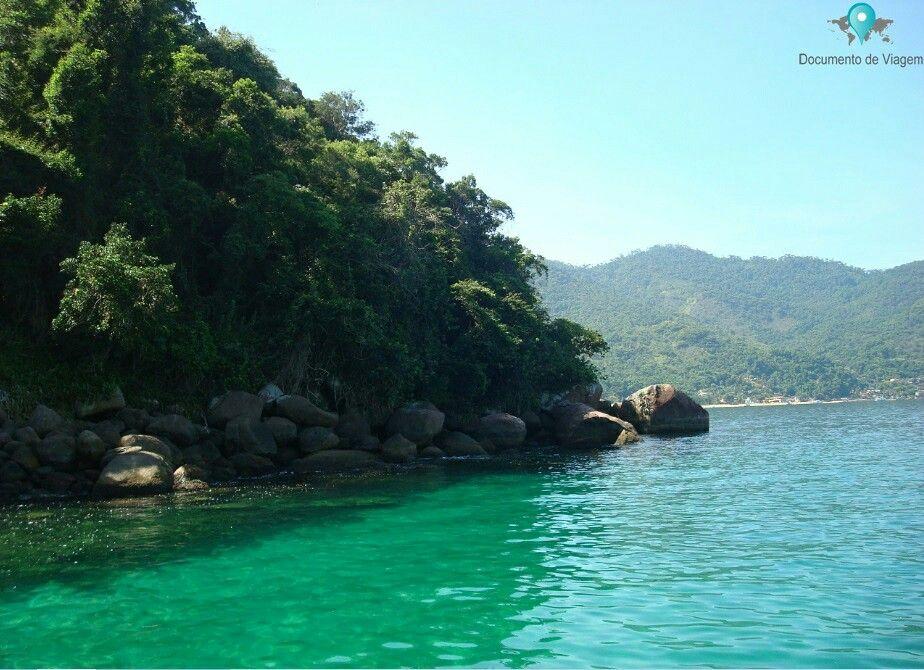 Ilha Grande é um dos destinos mais populares no Brasil. É considerado um dos melhores lugares para mergulho, devido as águas calmas e transparentes | Ilha Grande is one of the most popular island destinations in Brazil. It is considered one of the best places to scuba dive, due to it's calm and transparent waters |