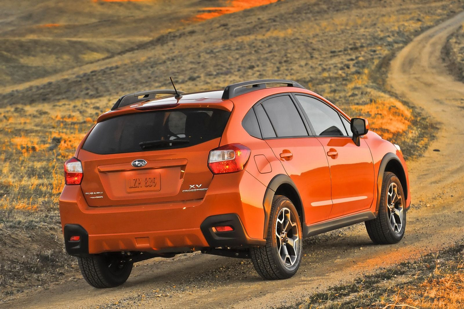 2017 Xv Subaru Crosstrek 2 0 Liter Boxer Engine With 148 Horses Teamed To S Symmetrical All Wheel Drive System Via A Five Sd Manual Gearbox Or