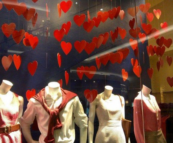 Ideas De Decoración Para Escaparates En San Valentín Micomerciolocal Com Decoración De Unas Ideas Decoración San Valentín Decoración San Valentín Tiendas