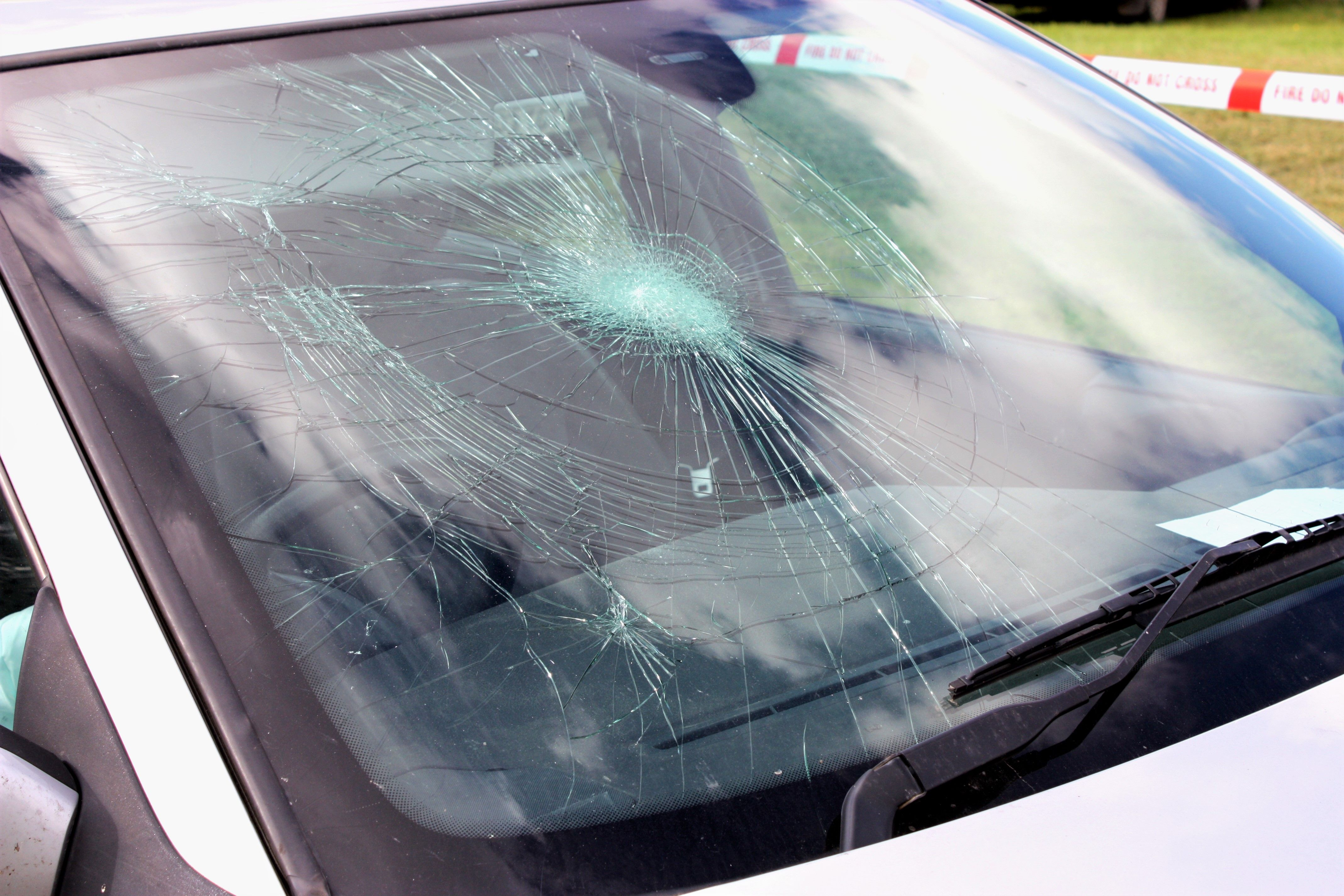 Oklahoma Boy 12 Helps Save Toddler Locked In Hot Car By Breaking Windshield With Ratchet Strap Auto Glass Repair Windshield Repair Auto Glass