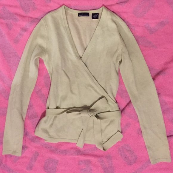 VS moda international cashmere wrap sweater Light green cute wrap ...