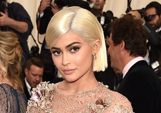 Kylie Jenner Goes Super Nude For V Magazine Shares The Results On