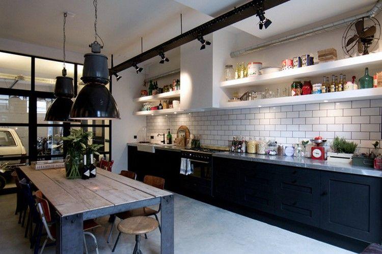 am nager un loft dans un ancien garage cuisine noir mat cuisine noir et noir mat. Black Bedroom Furniture Sets. Home Design Ideas