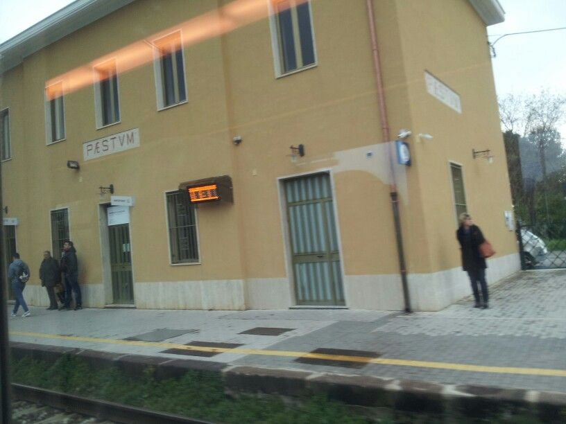 Paestum ferrovia