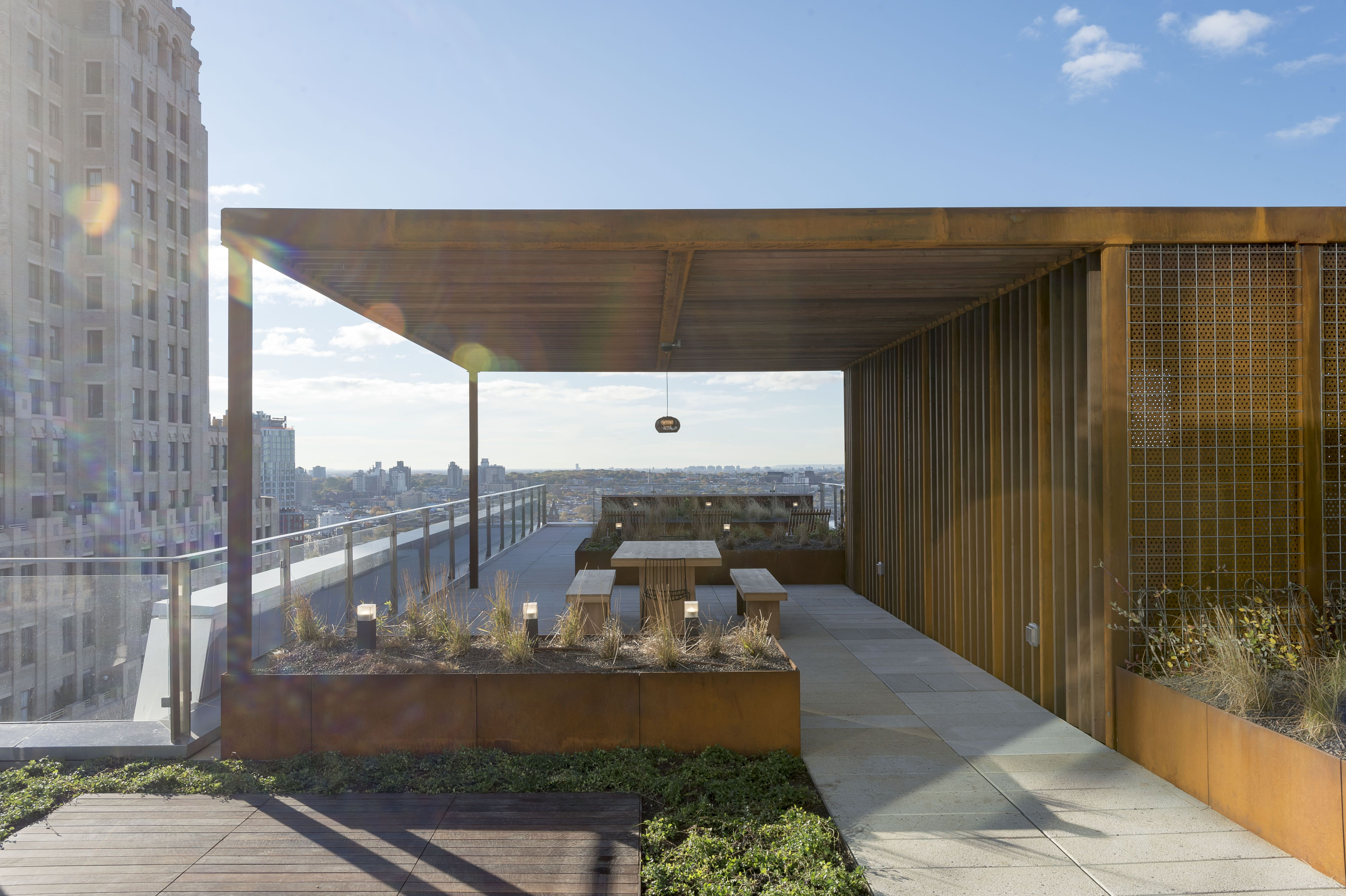 Great The Newly Released Photos Provide A Glimpse At The Buildingu0027s Roof Terrace  Which Comes With A Sun Deck That Offers Dramatic Views Of Brooklyn And The  East ...
