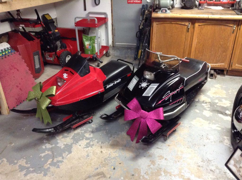 My Kids Mini Snowmobiles 1974 Alouette Junior Brute And 1971 Somovex Chimo Vintage Sled Snowmobile Snow Fun