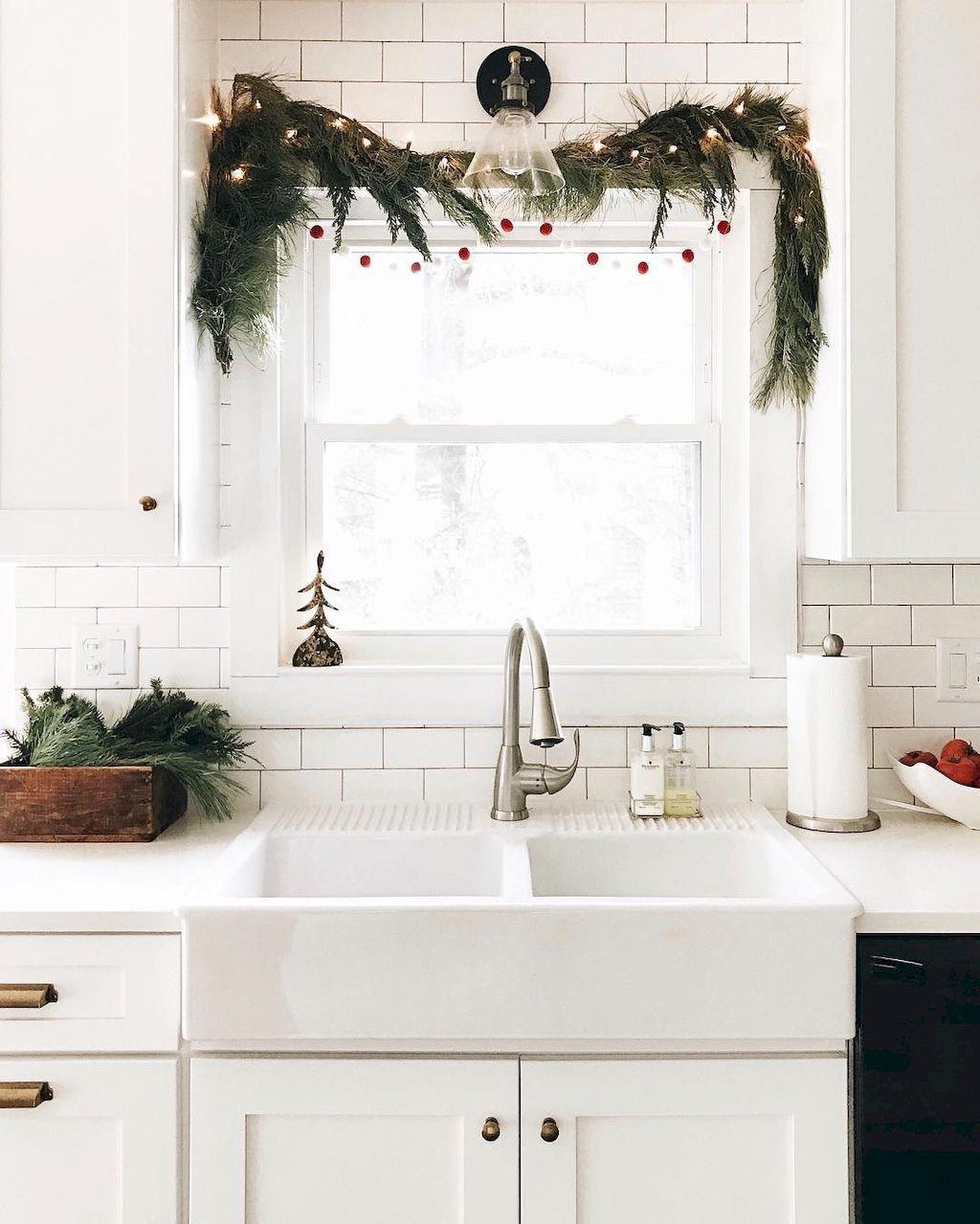 Stunning 55 Modern Minimalist Christmas Home Decor Ideas https ...