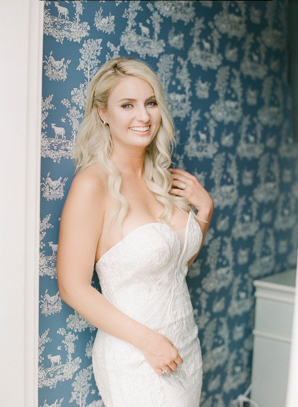 Strapless Wedding Dress Lace Wedding Dress Blonde Bride Loose Waves