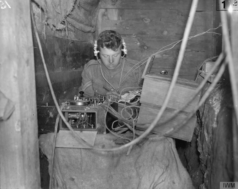 communication war technology wireless wwi 1918 ww1 communications operator british encyclopedia military 1914 international station radio trench equipment technologies wwii