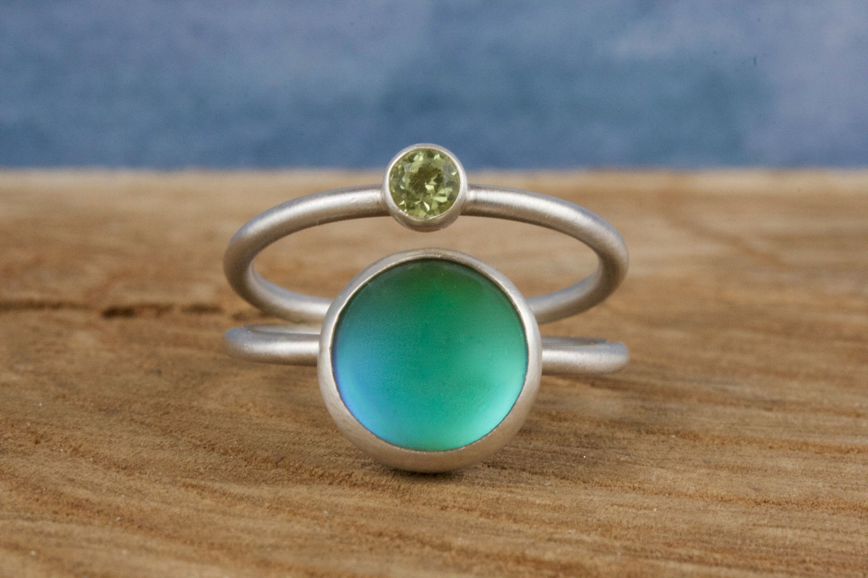 Mood Ring with Peridot  funky handmade sterling silver color