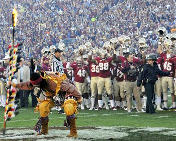 Chief Osceola Picture At Florida State Seminole Photos With Images Fsu Football Noles Football Florida State Football
