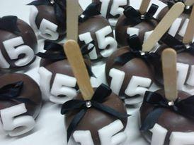 Maças de chocolate de 15 anos (branco e preto )
