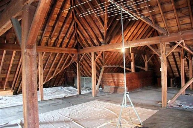 A Huge Attic Ready For Some Rooms Victorian Homes Flowers In The Attic Home Styles