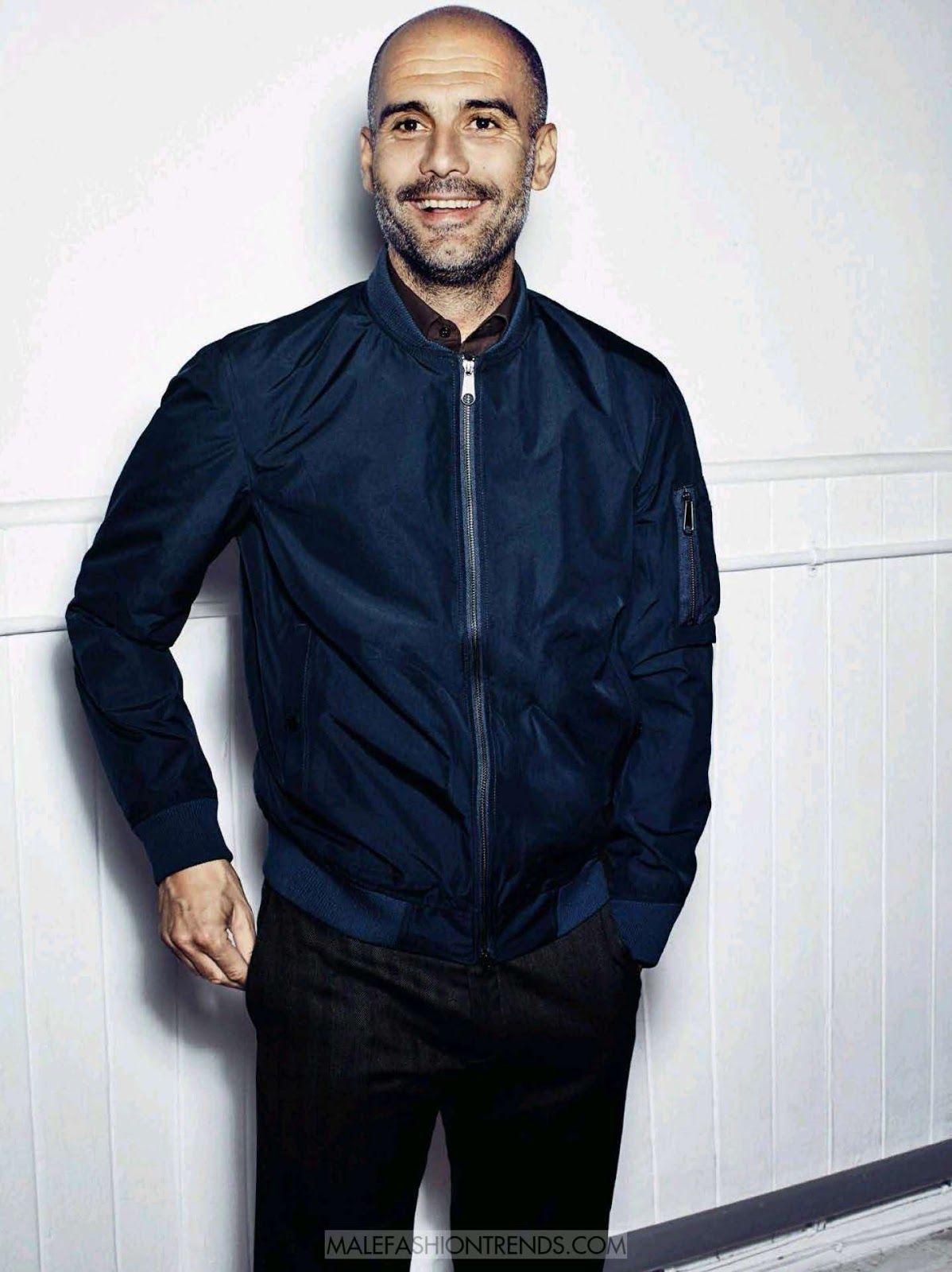 Pep Guardiola Por Sergi Pons Para Gq Espana Bald Men Style Pep Guardiola Pep Guardiola Style [ 1600 x 1198 Pixel ]