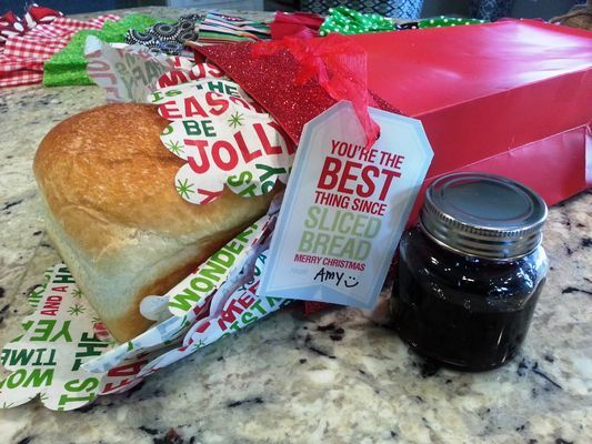 So many cute gift giving ideas in this post! Christmas Creations