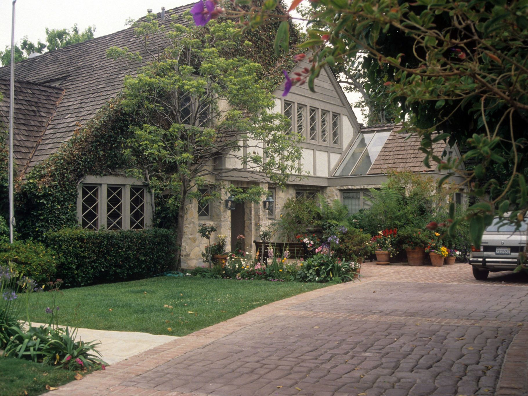 Mapping La S Most Incredible Lost Mansions In 2020 Mansions House Styles Modern Mansion