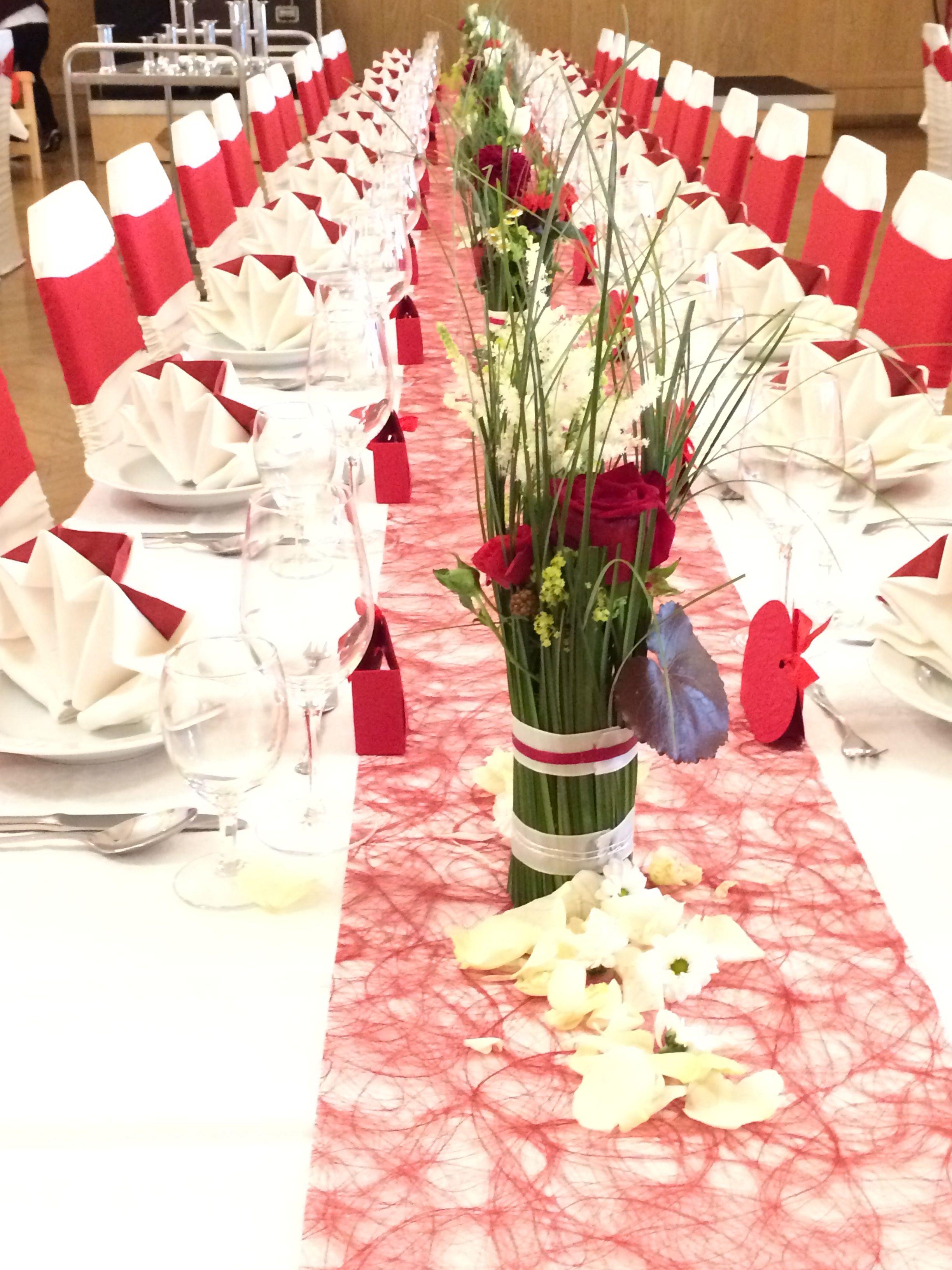 Tischdeko in rot weiß und grün | Tischdeko hochzeit