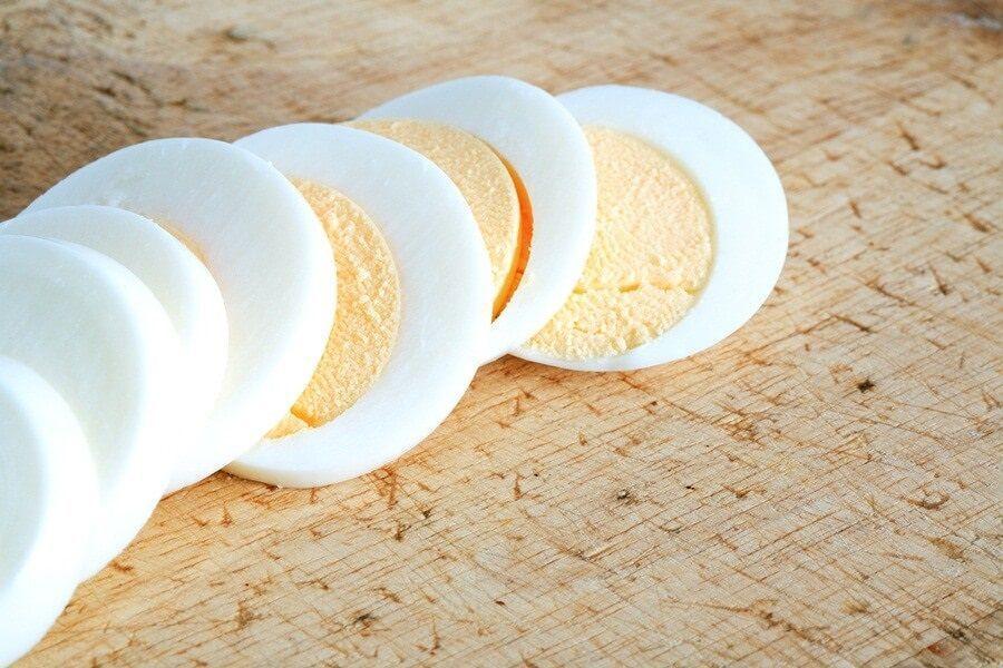 Breakfast Ideas Kids Can Make Themselves #boiledeggnutrition Sliced hard-boiled egg #boiledeggnutrition Breakfast Ideas Kids Can Make Themselves #boiledeggnutrition Sliced hard-boiled egg #boiledeggnutrition