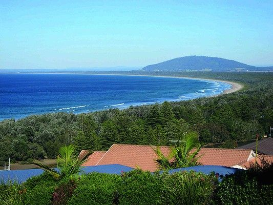 Seven Mile Beach Extends From Shoalhaven Heads East Of Nowra To Gerroa NSW Photo Supplied