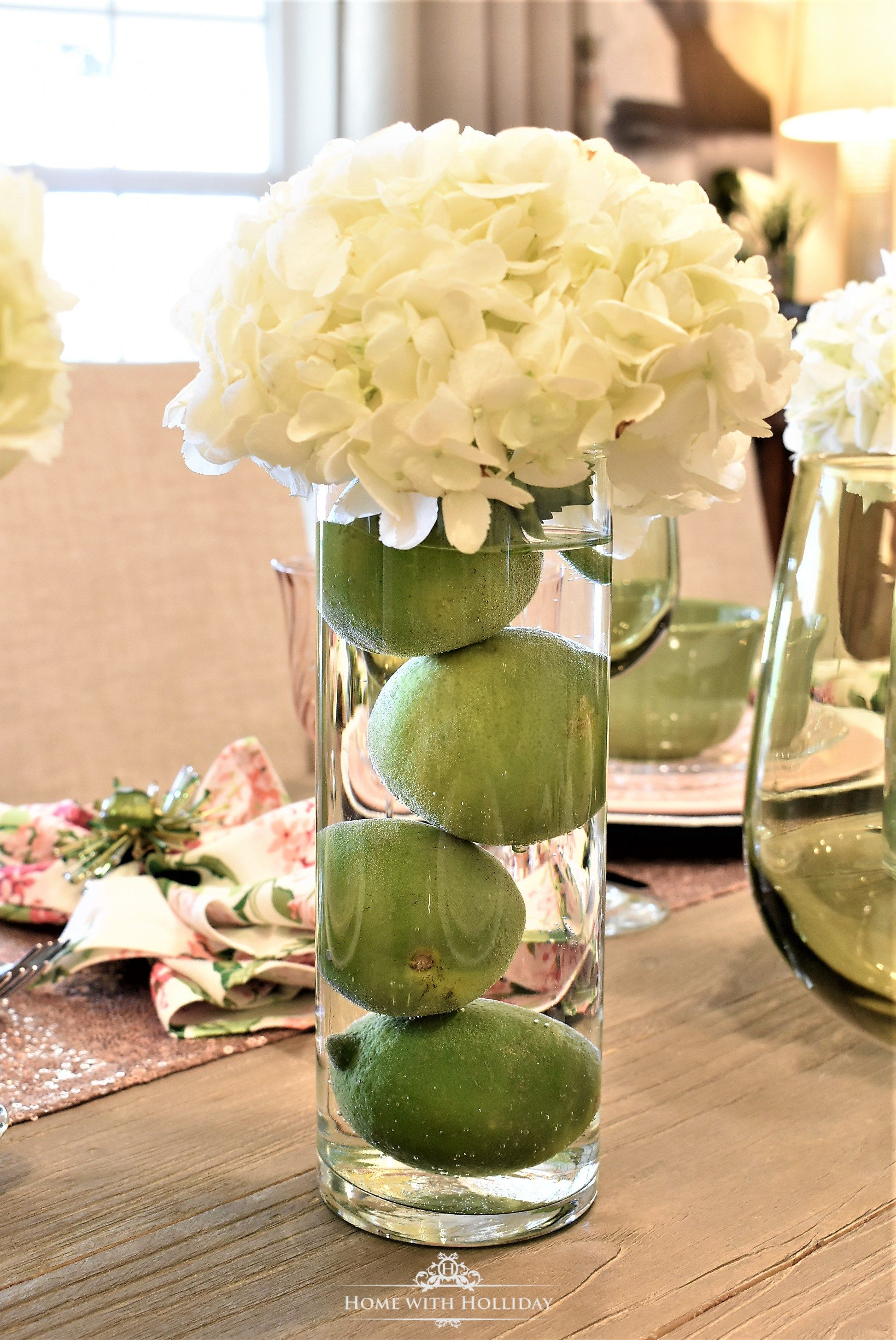Easy Dramatic And Inexpensive Centerpiece With Limes And