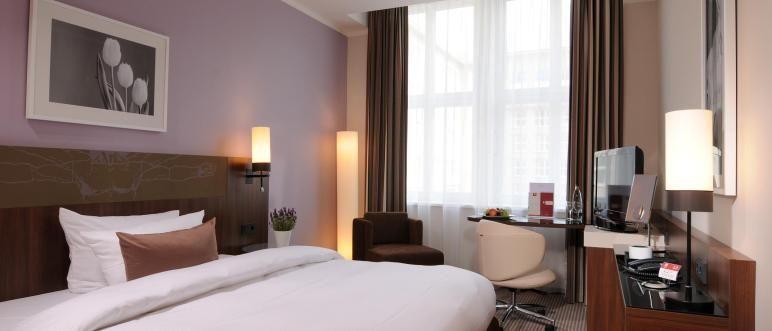 Leonardo Royal Hotel Berlin Lady Room מלון לאונרדו רויאל ברלין Small Bedroom Decor Small Bedroom Bedroom Design