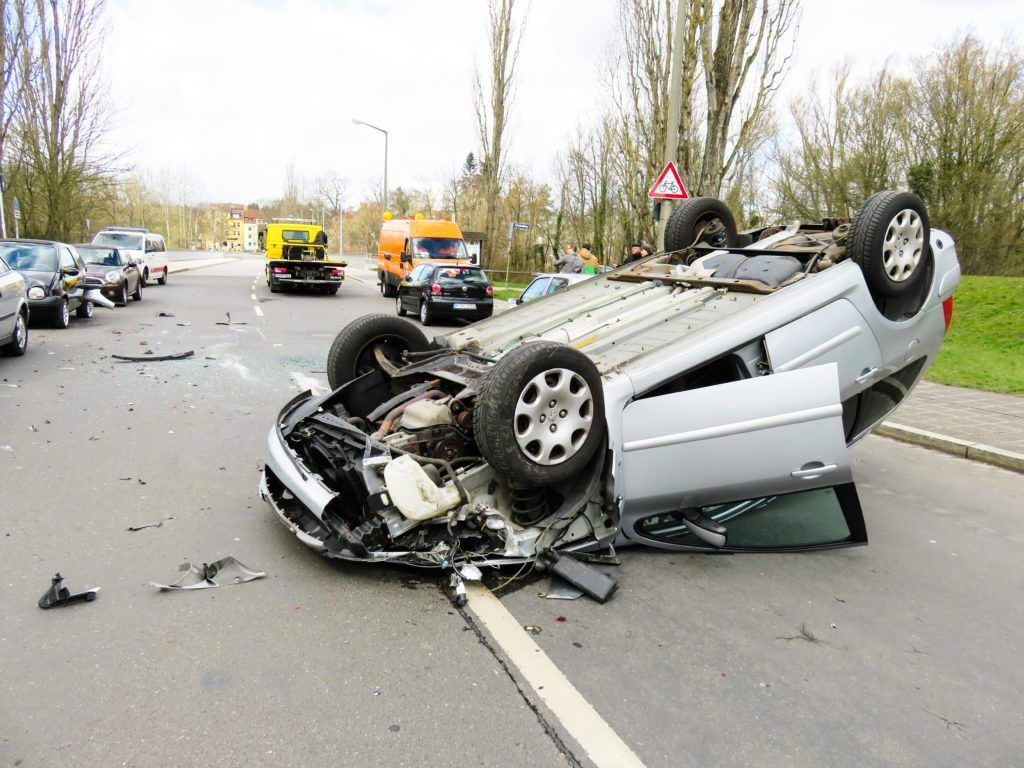 Pin By Ripon Seo On 01 With Images Car Accident Injuries Car