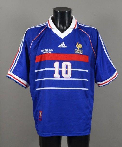 Maillot De Zinedine Zidane N 10 Avec L Equipe De France Pour La Finale Team Shirts Sports Sports Jersey