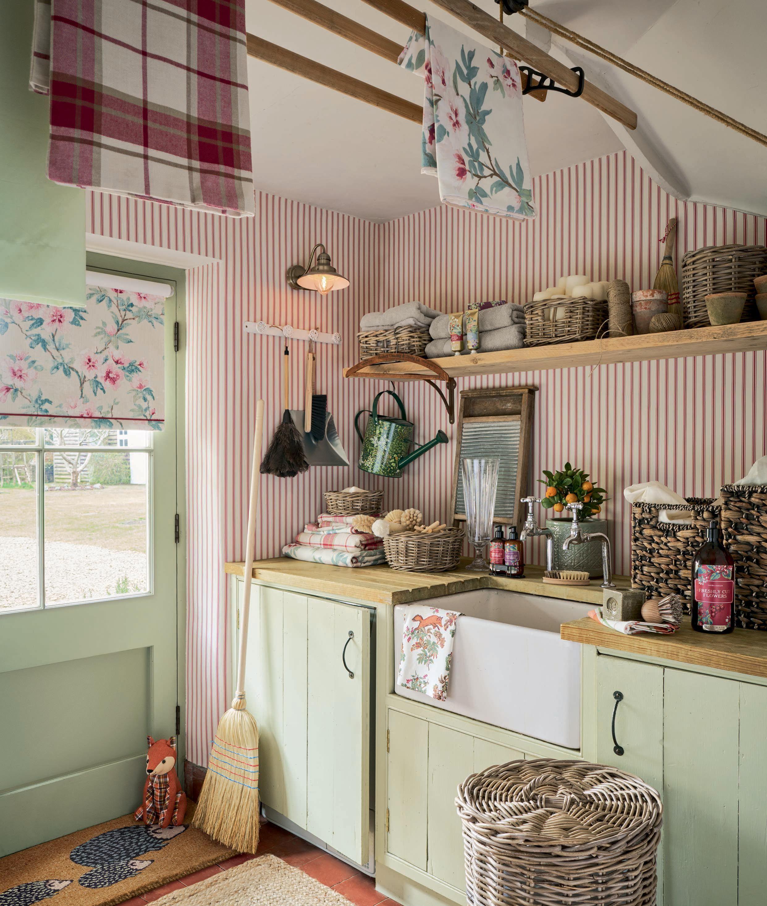 Laura ashley cranberry cottage lauraashleyaw17 cucine for Cucine pinterest