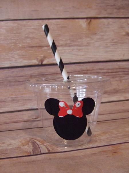 Mickey and Minnie Mouse Birthday Party Cups 9 oz or 12 oz Clear PET Plastic Cup with a flat lid This cup is very durable and crack-resistant, Very clear and s