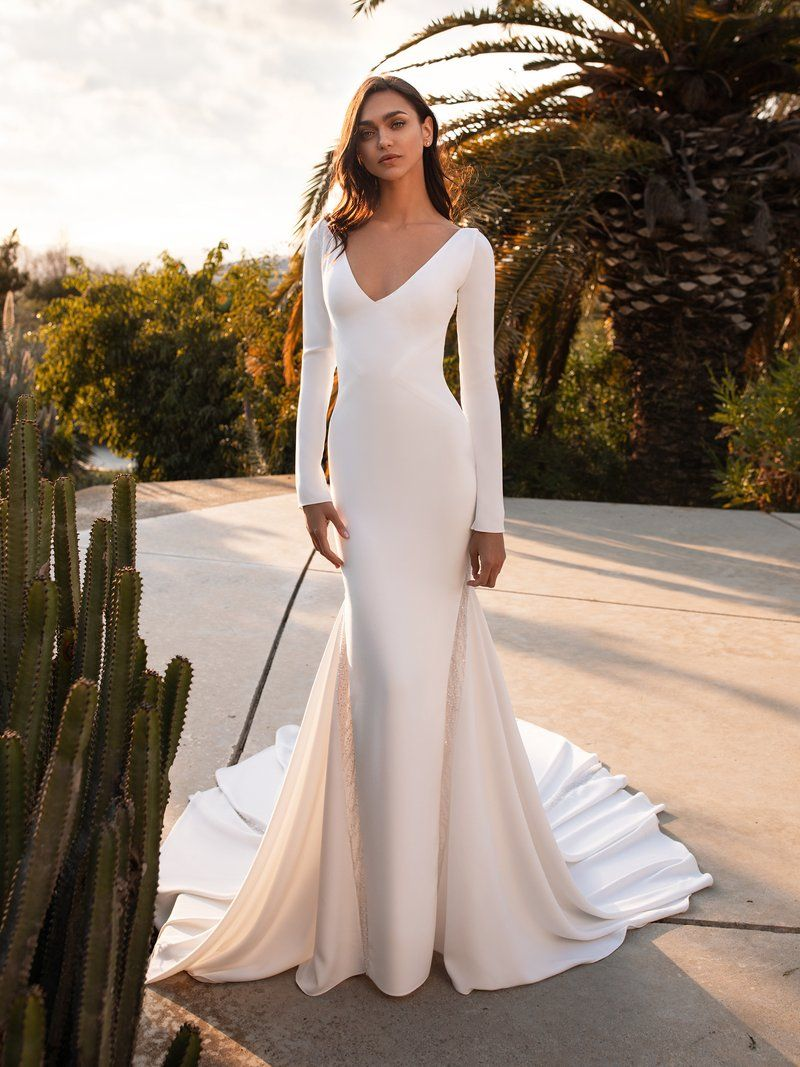 Pronovias Bianca in 20   Wedding dress long sleeve, Wedding ...