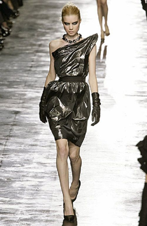 Future Fashion Trends 2020 | alice in wonderland ...