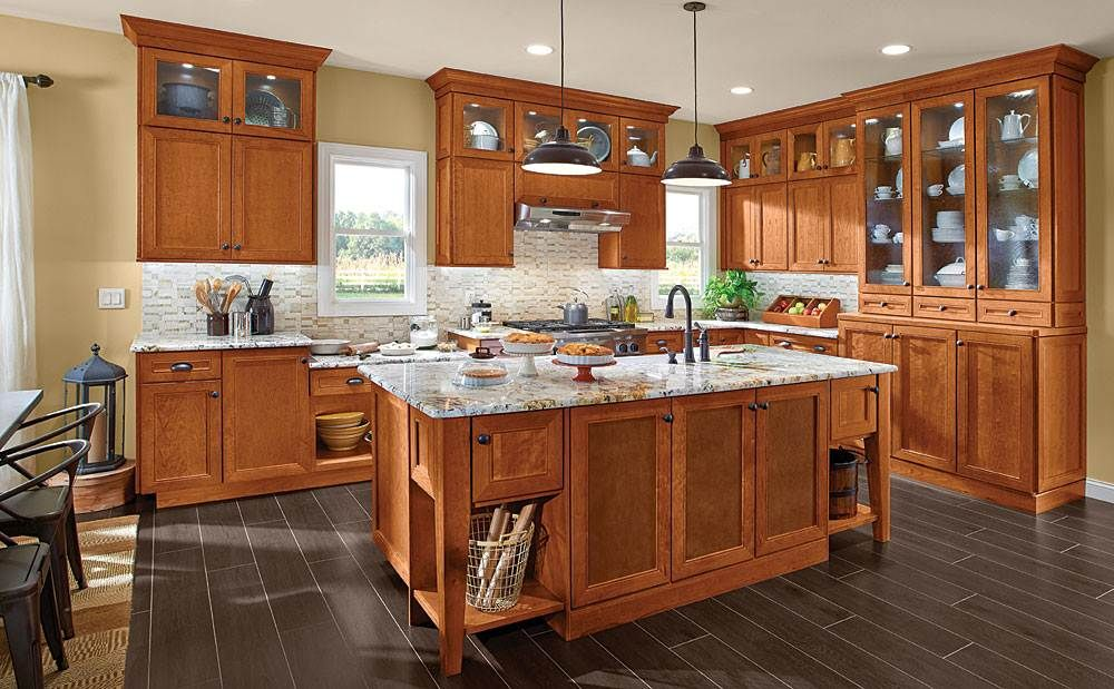 Matching Maple Kitchen Cabinets with Your Kitchen Setting ...