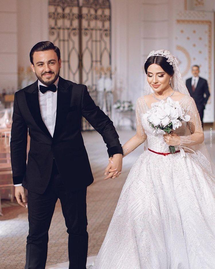 اطالات عرايس تابعوني تلكرام Fo Xi5 In 2021 Wedding Dresses Dresses Fashion