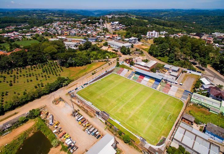 a5a55a94e6 Estádio Antônio David Farina Veranópolis (RS) - Capacidade  4