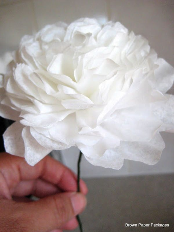 Diy friday how to make paper flowers flowers fabric and paper diy white paper flower mightylinksfo