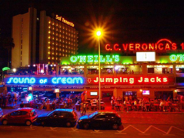 strip island Canary club
