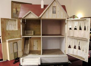 Susan's Mini Homes: Red Roof and Bay Window Gottschalk - Antique Dollhousehttp://susanshouses.blogspot.com
