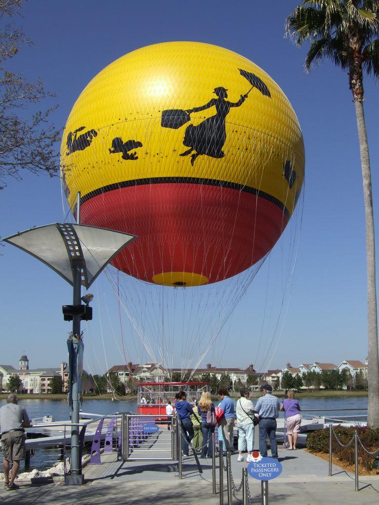 Balloon At Downtown Disney Downtown Disney Balloons Disney