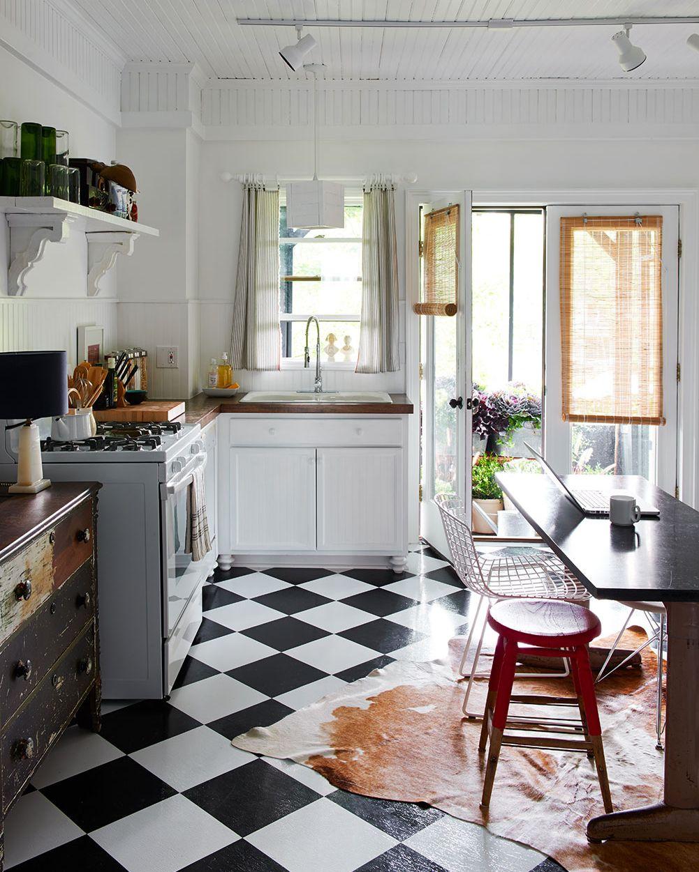 Before after reimagining a victorian cocinas corazon for Decoracion de pisos en blanco