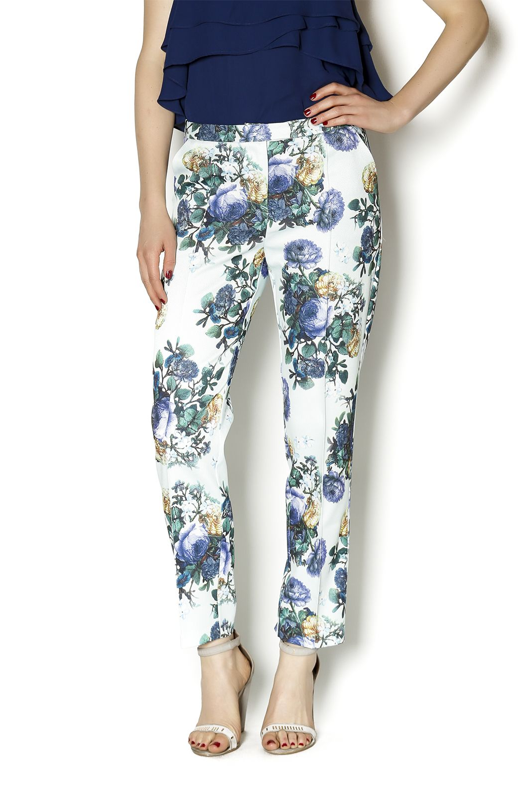 Floral ankle pants with front lining and pockets. Perfect for weekend brunches. Pair with a layered loose tank and heels.    Floral Ankle Pants by Darling. Clothing - Bottoms - Pants & Leggings - Slim San Francisco