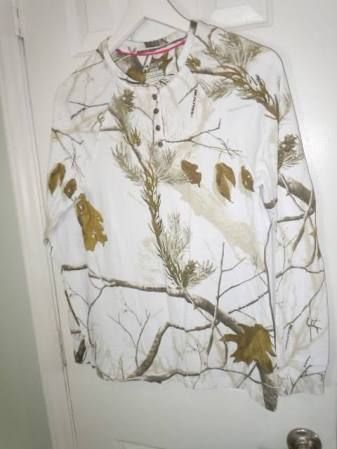 Realtree ladies white camouflage henley top