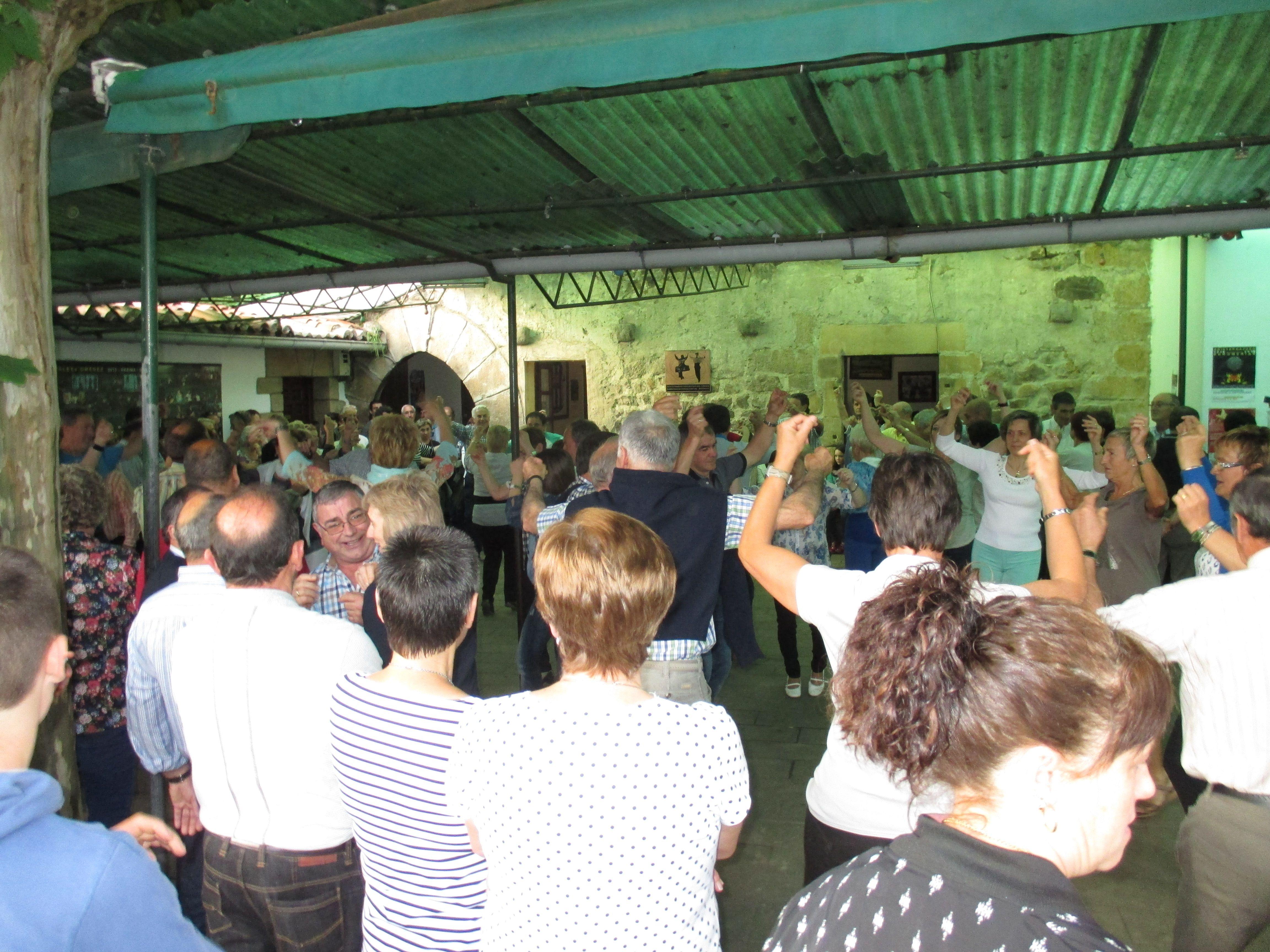 Baile En T Pica Romer A En Aristerrazu Aia Nico Lugar De  # Muebles Duk Oiartzun