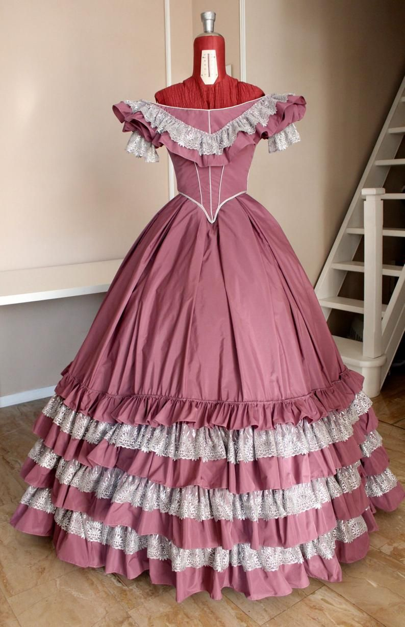 Victorian Ball Gown In Mauve Taffeta And Silver Lace 1860 Etsy Victorian Ball Gowns Prom Dresses Taffeta Ball Gowns [ 1228 x 794 Pixel ]