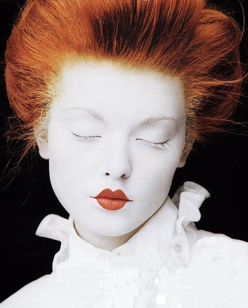 White Makeup White Face And Red Small Lips Rode Smalle Lippen